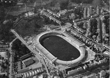 Du Stade Alfred Dugat au Stade du Lac : Le rôle du stade de football dans l'étalement urbain
