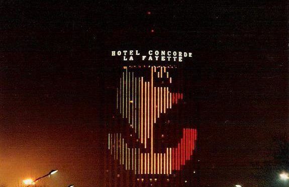 « Un écran dans la ville : le Défirama, Paris, 1987 »